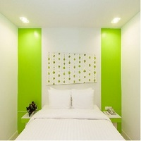 �p�g���@�z���f�[�@�z�e�� PATONG�@HOLIDAY�@HOTEL