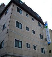 HOTEL YIM'S HOUSE �z�e���C���X�n�E�X