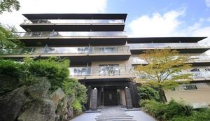 尤托雷洛日式旅馆 附楼