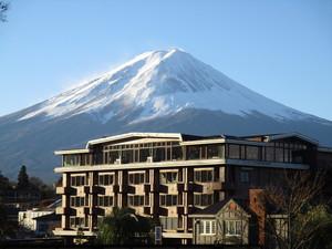 四季無宿坡普拉酒店 (富士河口湖町)