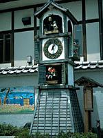 御成坂公園のからくり人形時計・写真