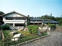 土岐市美濃焼伝統産業会館・写真