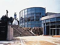 川崎市岡本太郎美術館・写真