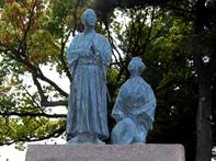 坂本竜馬新婚の旅碑・写真