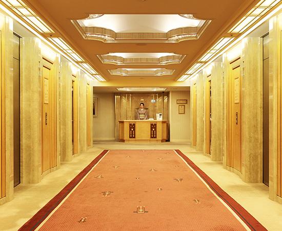 豪华的电梯大厅是帝国楼层的特别设计。