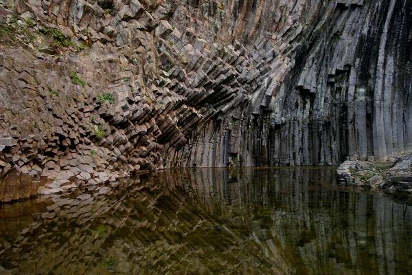Caves Genbudo