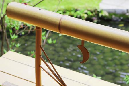 「觀月之間」 從露天浴池亦能眺望庭園中的水池