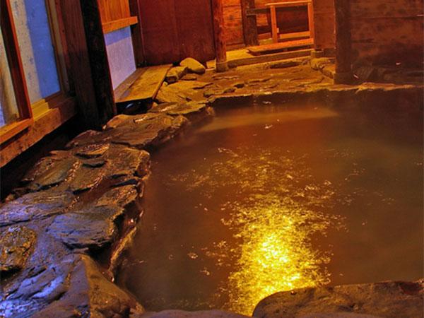 山里温泉旅館