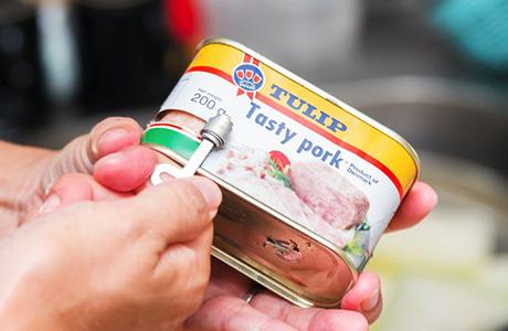 沖縄の定番食材ポーク缶