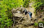 【三徳山】登山で一番はじめの難関であるカズラ坂