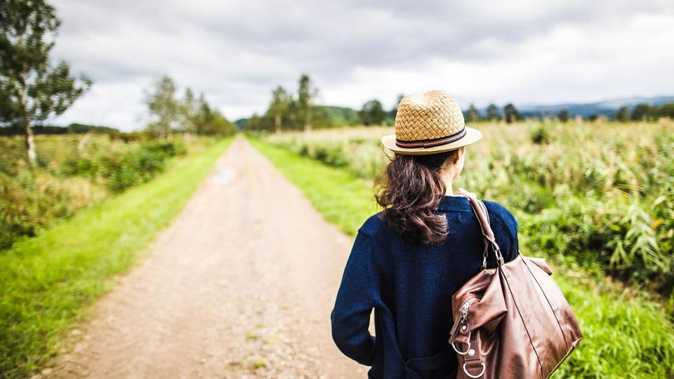 気ままに女性の一人旅に人気の国内レジャー宿ランキング