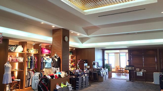 ゴルフ用品をはじめ、宮古島のお土産を販売しています。