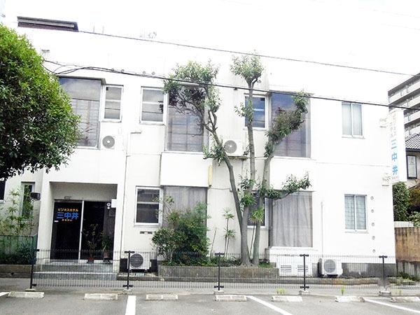 ビジネスホテル三中井