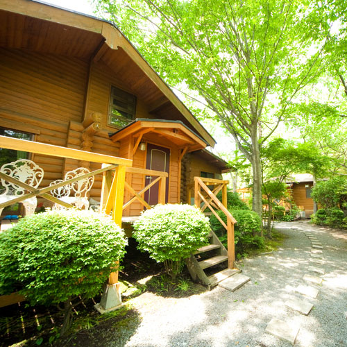 湯布院温泉の奥座敷由布の森と水の恵み全室離れ別荘どんぐり...