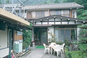 日の出屋旅館