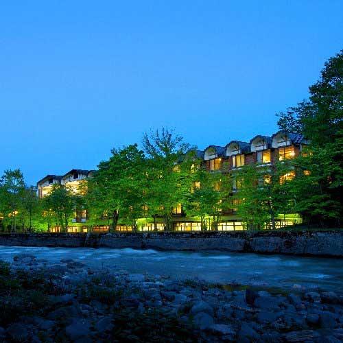 【新幹線付プラン】星野リゾート 奥入瀬渓流ホテル(びゅうトラベルサービス提供)