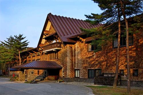 【新幹線付プラン】裏磐梯高原ホテル(びゅうトラベルサービス提供)