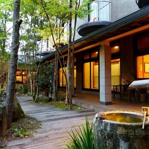 【特急列車付プラン】由布院温泉 かほりの郷 はな村(JR九州旅行提供)
