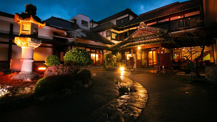 からつ温泉 旅館 綿屋 明治九年創業【有形文化財】の宿