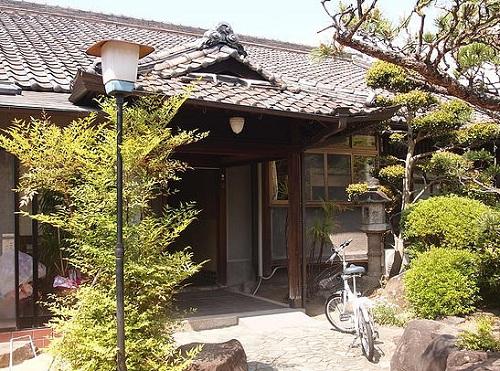 遊山ゲストハウス別館...