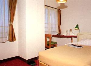 ビジネスホテル 亀山