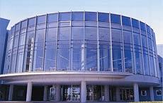 秋田県青少年交流センターユースパルの外観