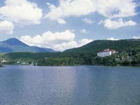 白樺湖 花の館 亀屋ホテル