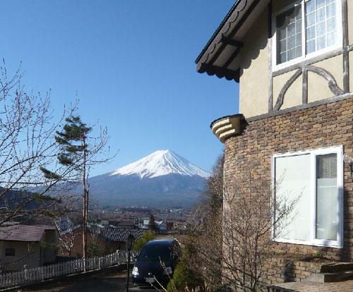 富士山と河口湖を望む高台の宿 クレッシェンド
