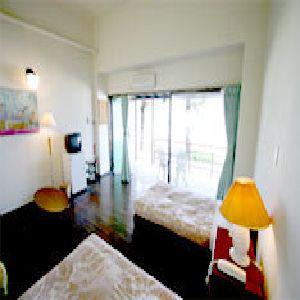 沖縄ホテル、旅館、オン・ザ・ビーチ ルー