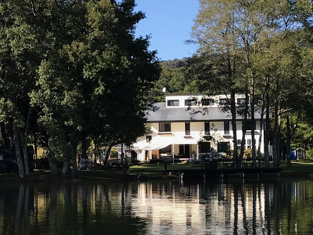 湖畔のホテル クオレ