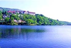 ニュー白樺湖観光ホテル