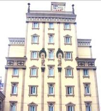 スカイビルホテル