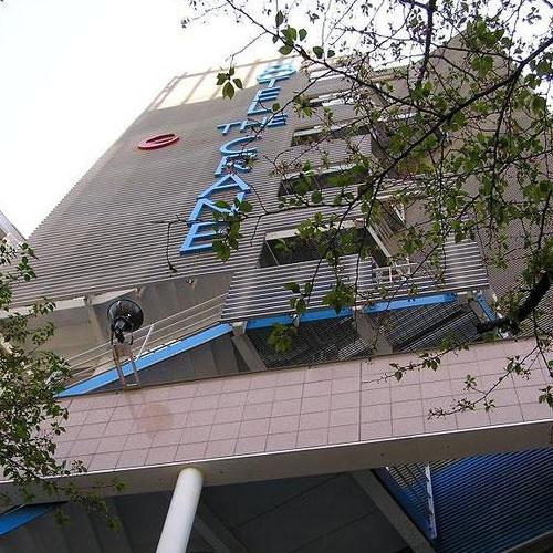ホテル・ザ・クレイン
