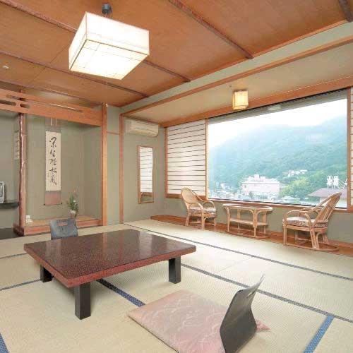 湯本温泉山村別館 と 別棟 温泉付き離れしぇふず