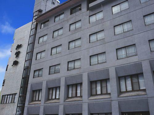 鶯宿温泉 ホテル加賀助