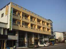 HOTEL LAKE GARDEN(ホテル レイクガーデン)