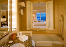 Ocean (Harbour) View Room Bathroom