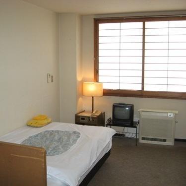 室数限定♪シングル素泊まり3,800円特別プラン【駐車場ももちろん無料】