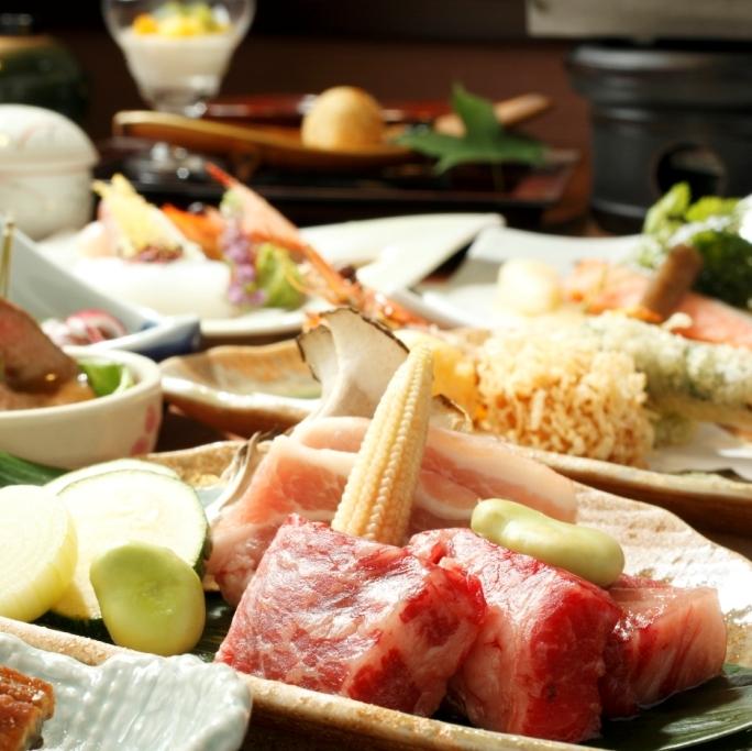 [写真]旬の食材を使った会席コースをお楽しみください
