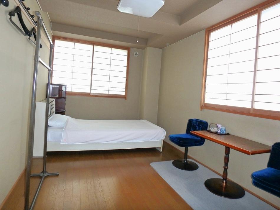 【平日限定】4F 洋室 ビジネス・出張&気ままな一人旅 駐車場無料 客室数限定 素泊まり エコプラン