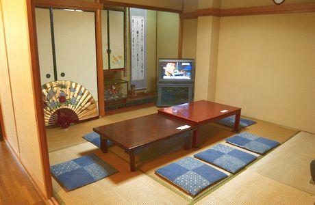 リビングルーム和室-共用エリア
