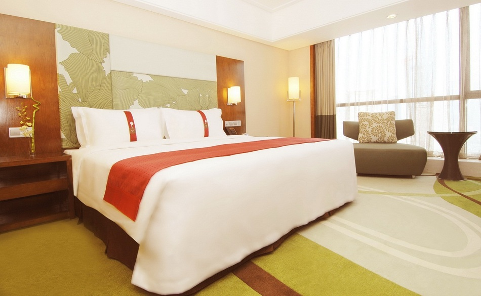 青岛中心假日酒店:房价特惠一览 - 乐天旅游
