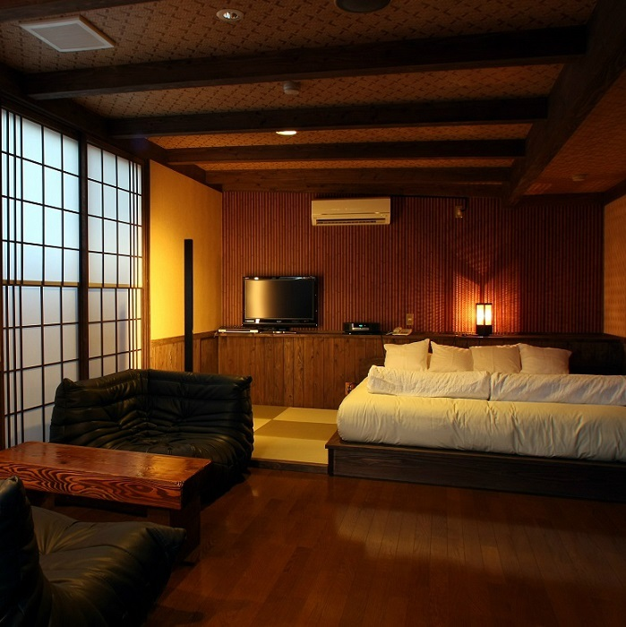 Semi Western-Style Room with Private Open-Air Bath
