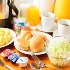 軽朝食一例…ご宿泊の方への無料サービスです!