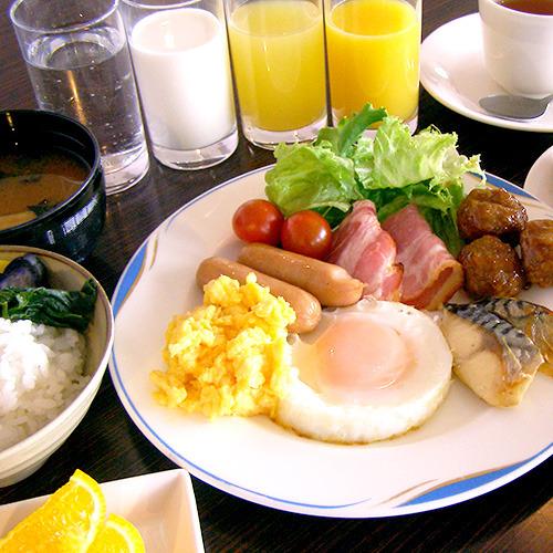 28日前までの予約でお得に泊まろう♪ 〜無料朝食バイキング付〜