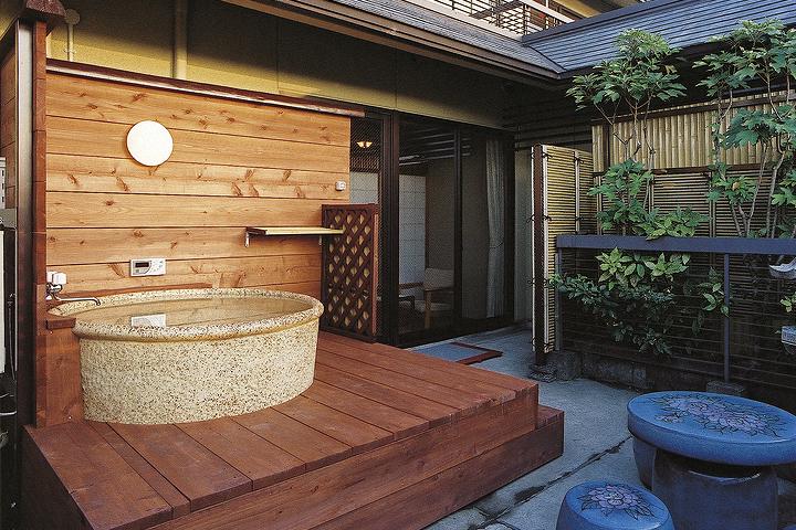 カップルにおすすめの露天風呂付き客室