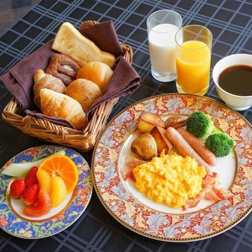 ≪和洋バイキング≫で朝から元気に♪開放感溢れるレストランでご朝食を【1泊朝食付プラン】