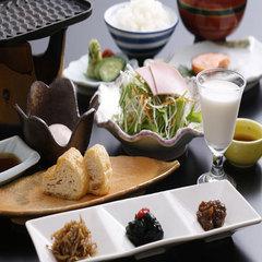 こんな料理初めて。伝統の中に「粋」と「斬新」さを追及。創作加賀料理「彩」スタンダードプラン(会場食)
