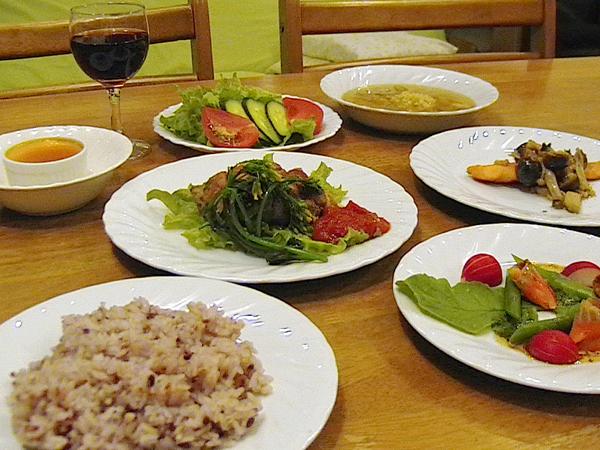 フルコースの夕食の一例