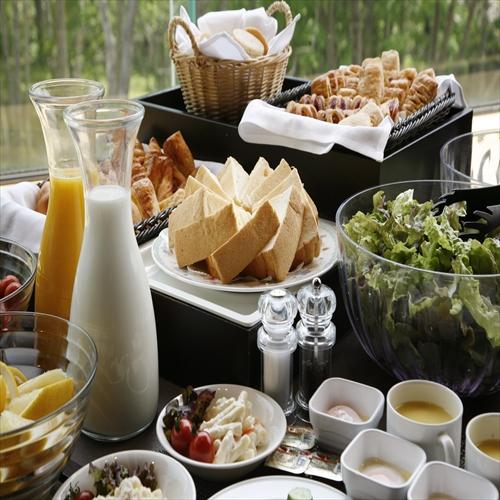【ホテル甘露の森基本プラン(朝食付)】ご到着が遅くても安心夜はロビーで森の演奏会♪】【お先でスノ。】